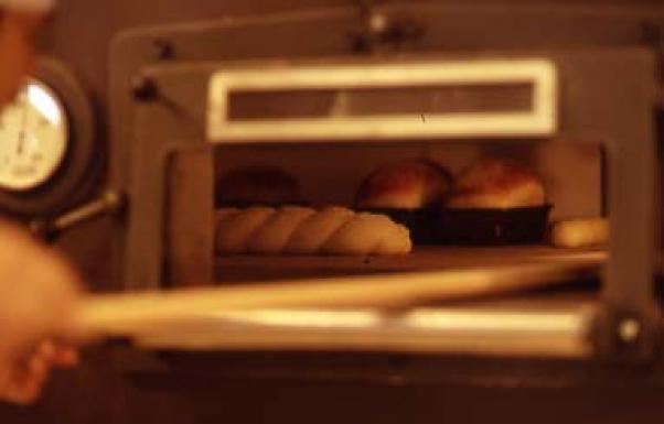 ヨーロッパの本格的なパン作り。